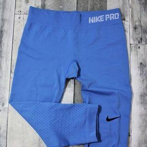 Nike Pro Training Crop Pants